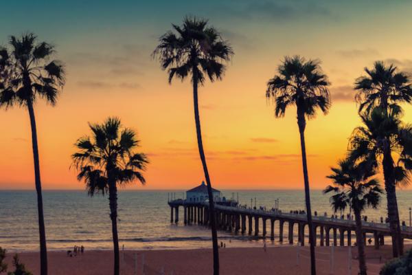 """10 ชายหาดที่ดีที่สุดใน """"แคลิฟอร์เนีย"""""""